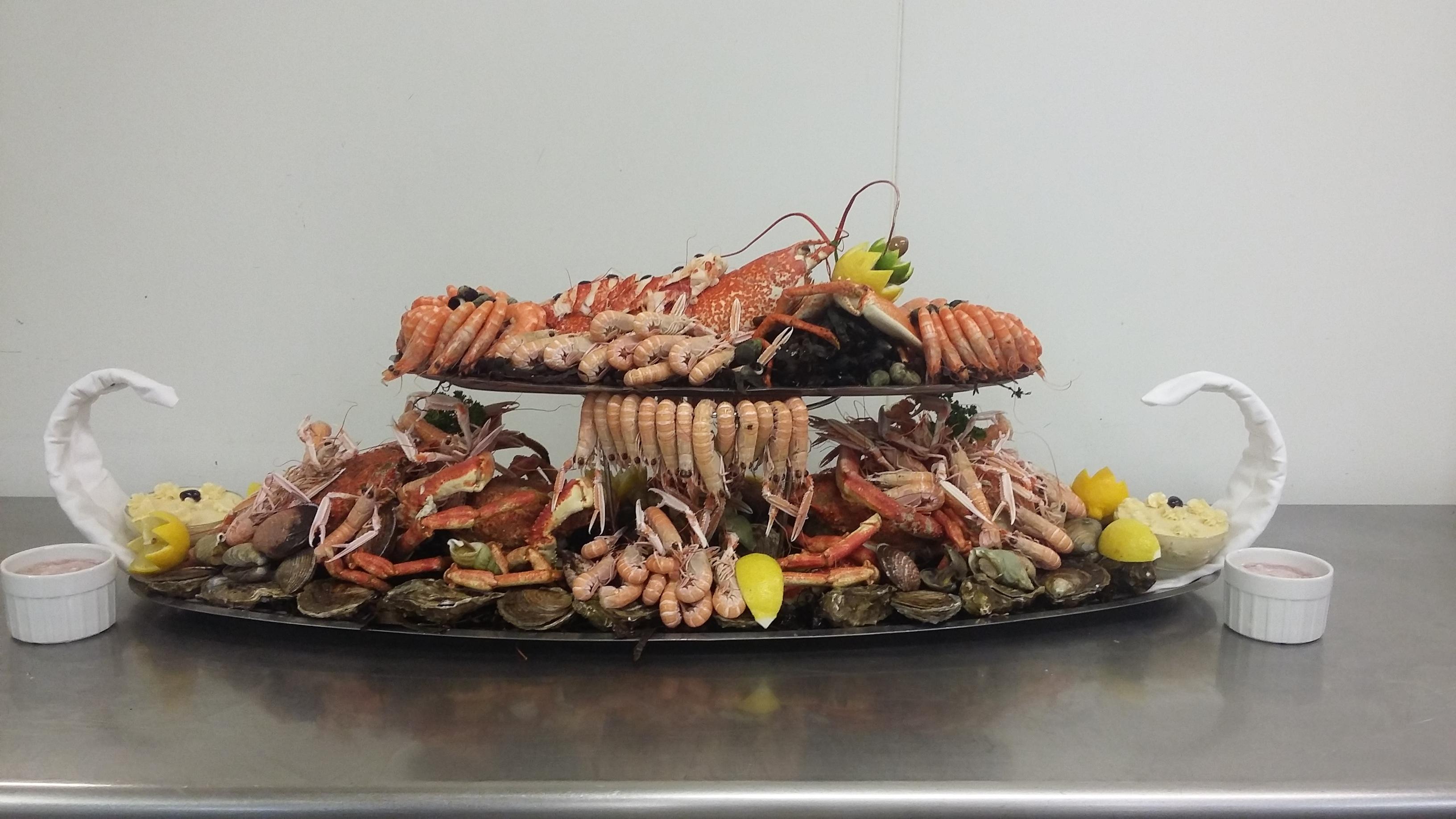 plateaux de fruits de mer au restaurant du vauban h tel vauban brest. Black Bedroom Furniture Sets. Home Design Ideas